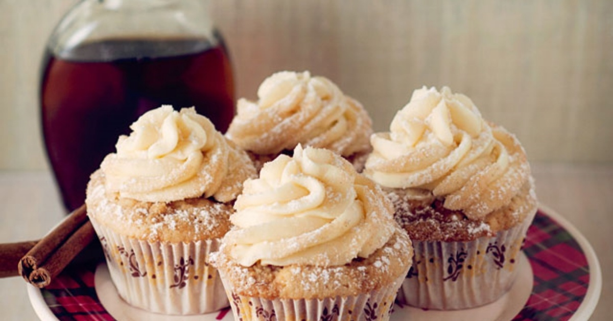 French-Toast-Cupcakes-with-Maple-Buttercream-796200-edited
