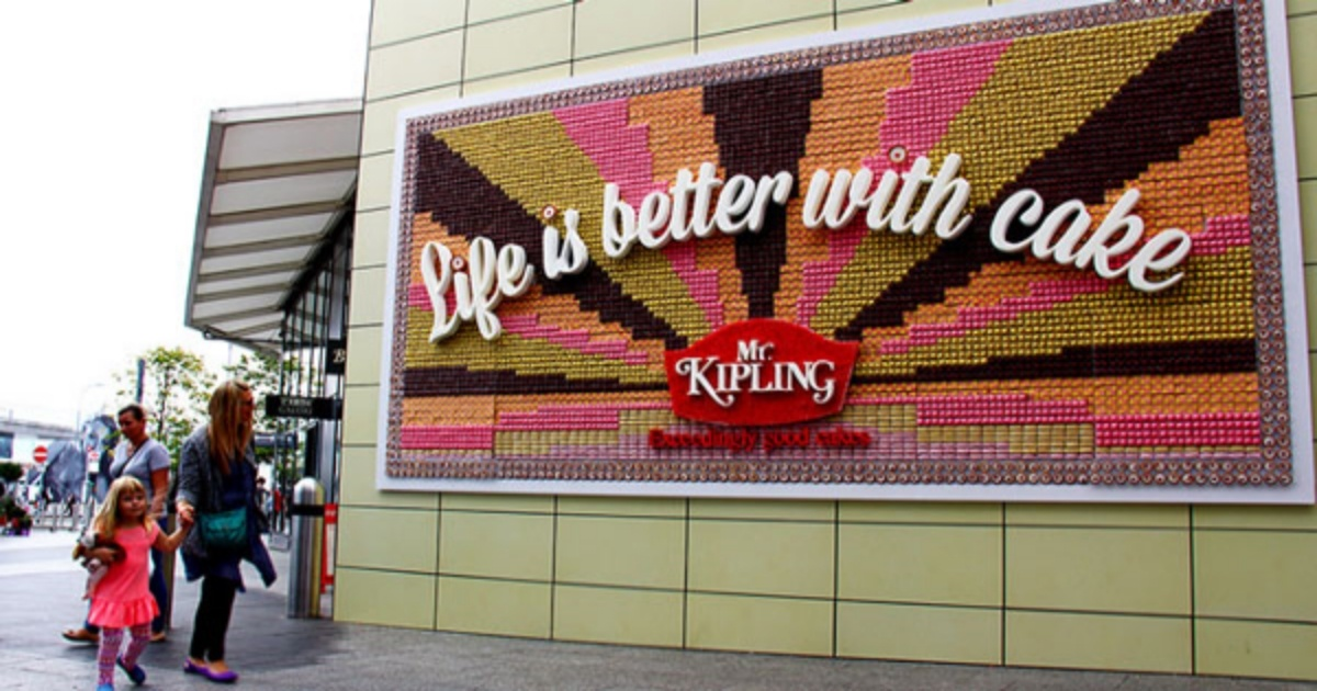 mrkipling-edible-billboard-897232-edited